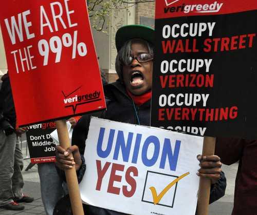 Integrantes del movimiento Ocupa protestan en las calles de Nueva York. Foto Mike Fleshman