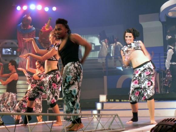 """El Ballet de la televisión Cubana y la compañía danzaria """"Rakatán"""" dieron inicio a la  Gala de premiaciones de """"Lucas"""" en su primera noche. Foto. Marianela Dufflar"""