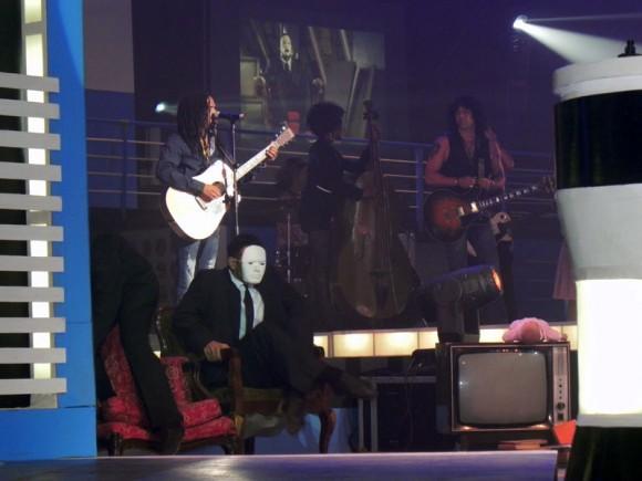 """Raúl Torres, actuó en la Gala y obtuvo premio en la categoría  Pop Rock con su tema """"Frío"""" dirigido por Joseh Ros. Foto. Marianela Dufflar"""