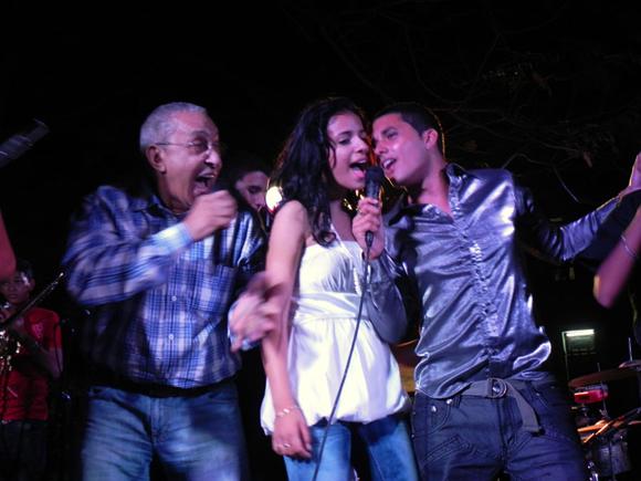 Juan Formell compartió el escenario con los Vanvancitos. Foto: Marianela Dufflar