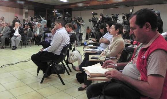 Conferencia  sobre terrorismo Habana-Caracas, con sede en el teatro MINREX y la Sala de Prensa de la Cancillería venezolana, con la participación de familiares de Los Cinco,  prestigiosas personalidades y estudiosos del tema, en La Habana, Cuba, el 9 de diciembre de 2011. AIN FOTO/Tony HERNÁNDEZ MENA/