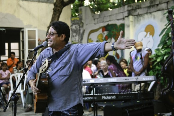 Angel Quintero recuerda el nacimiento de la Nueva Trova. Foto: Roberto Chile