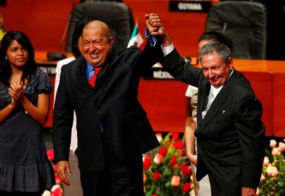 Chávez y Raúl en la CELAC