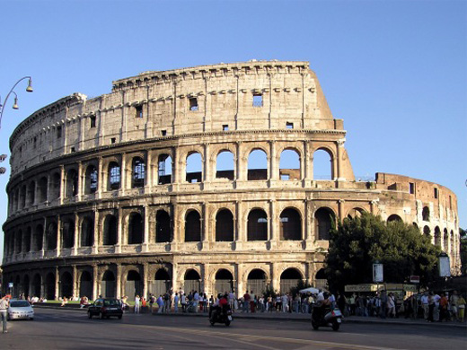 Fragmento del coliseo de roma se desprendi cubadebate for Sitios web de arquitectura