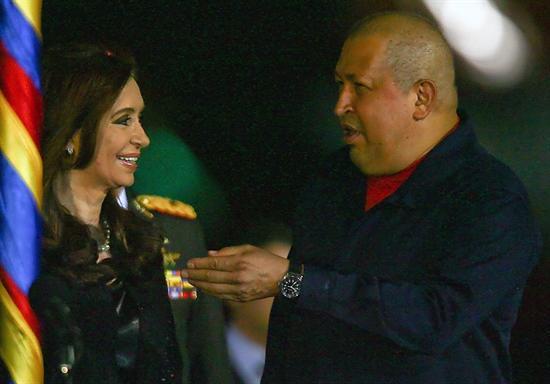 Presidente Chávez recibió a Cristina Fernández en Maiquetía