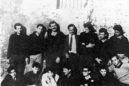 El grupo sobreviviente del Ejercito Guerrillero del Pueblo (EGP) en la cárcel de Salta con sus abogados.