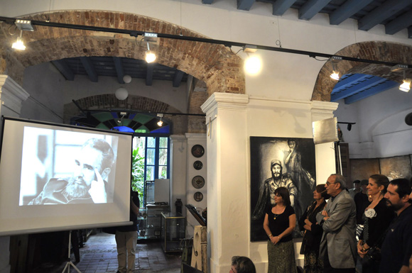 """Exposición fotográfica """"Haciendo Historia"""" Foto:Kaloian"""
