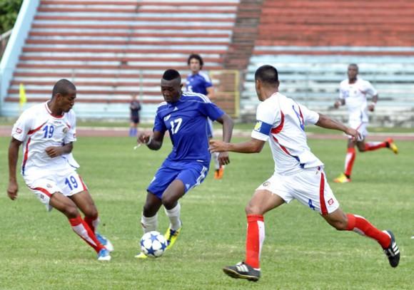 Fútbol: Cuba y Costa Rica. Foto: Kaloian