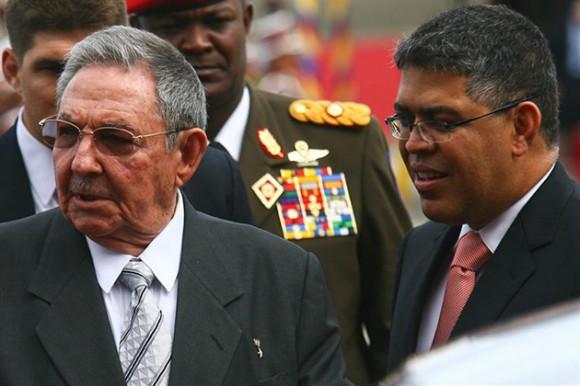 Raúl Castro llega a Caracas para Cumbre de la CELAC. Foto: EFE