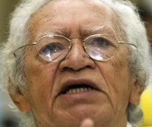 Thiago de Mello dedica poema a los Cinco: 15 años heridos por las tinieblas