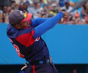 Camagüeyano William Luis pegó jonrón 17 con bases llenas. Foto: Anaya.José L