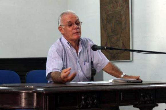 Sentida y emocionante despedida a Julio García Luis