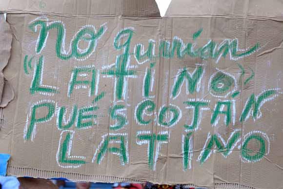 Los matanceros se ganaron en el Latino carteles como estos tras ser barridos por los Metros. Foto: Juan Moreno