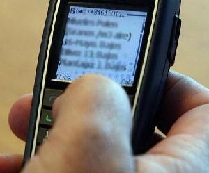 Carga inalámbrica en la mira de los dispositivos móviles