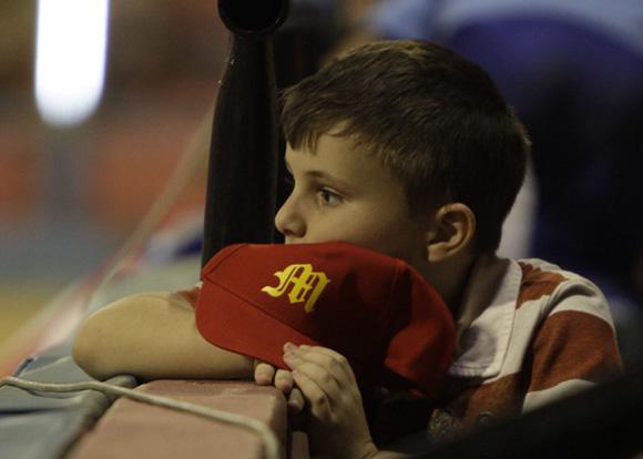 Niño aficionado de Matanzas. Foto: Ismael Francisco/Cubadebate