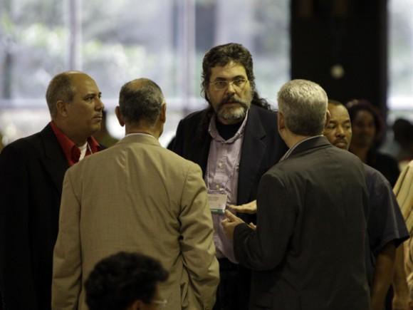 En un receso durante la Conferencia del Partido Comunista de Cuba. Foto: Ismael Francisco