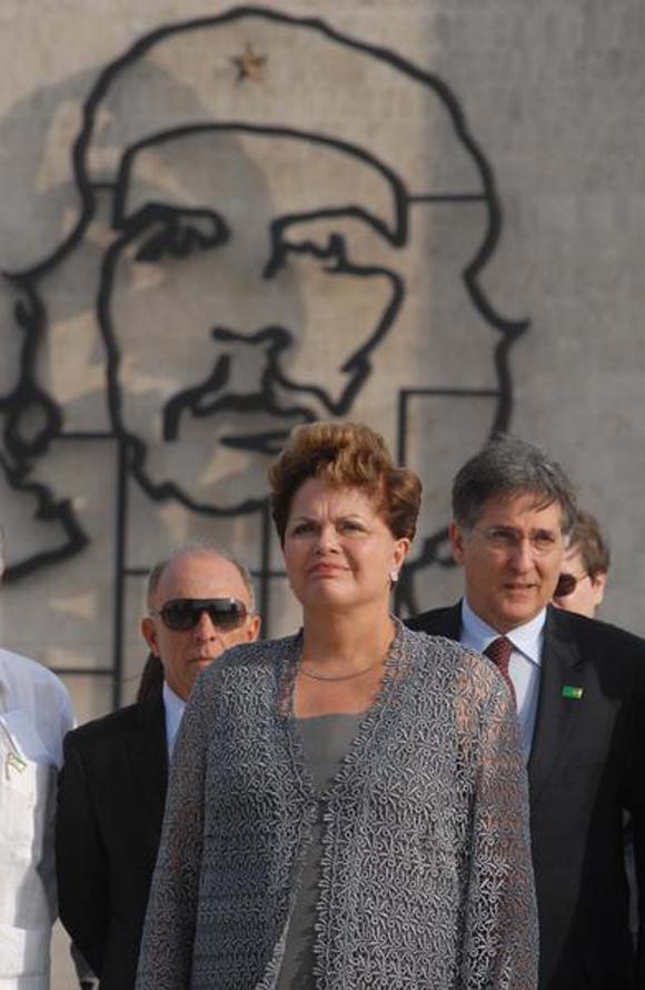 Dilma Rousseff rinde homenaje a José Martí. Foto: Omara García Mederos/AIN