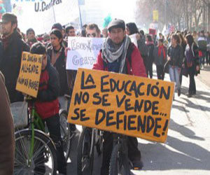 Protestan estudiantes en Chile