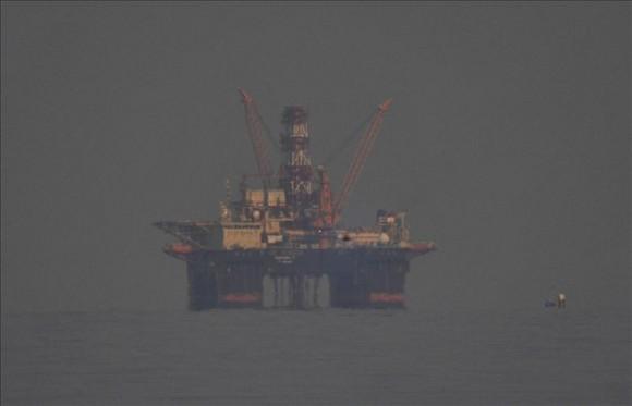 El Scarabeo retratado desde el Malecón en una mañana muy nublada. Foto: EFE