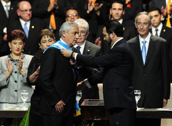 Nuevo presidente de derecha Otto Pérez asumió el poder en Guatemala