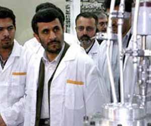 Ahmadineyad visita centros de investigación en Teherán
