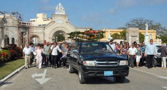 Entierro Julio García Luis. Foto: Juvenal Balán