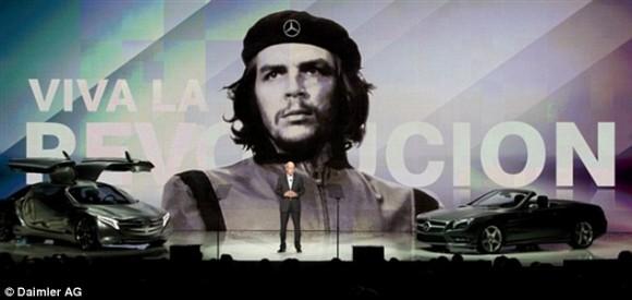 Mercedes Benz con la imagen del Che Guevara