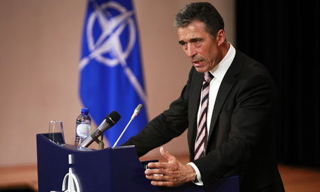 El Secretario General de OTAN, Anders Fogh Rasmussen. Más de 200 de sus funcionarios han sido expuestos por Anonymous 'hacktivistas'. Fotografía: Olivier Hoslet / EPA