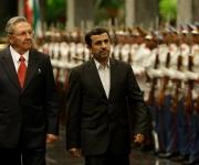 Raúl Castro se reúne con Ahmadinejad en La Habana. Foto: Ismael Francisco