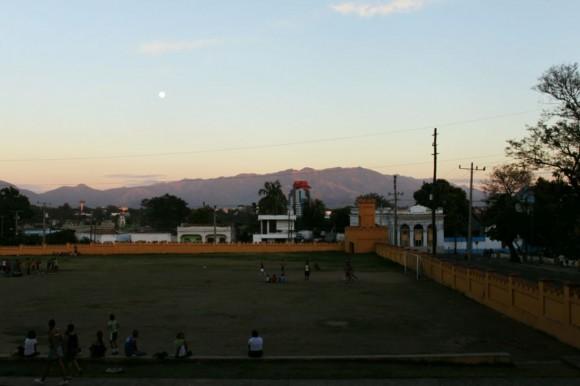 Las montañas que rodean Santiago. Foto: Luis Antonio (Tony) Gómez Pérez.