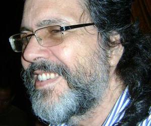 Francia condecora a Abel Prieto por su labor en las artes y la literatura