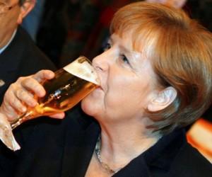 angela-merkel-cerveza