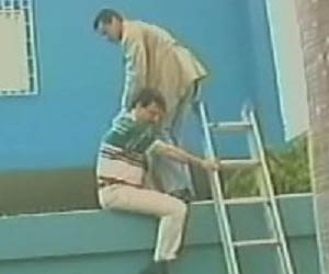 Capriles encabeza los hechos vandálicos contra la Embajada de Cuba, durante Golpe de Estado contra Chávez. Foto Archivo