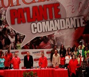 Chávez nombra comando de campaña