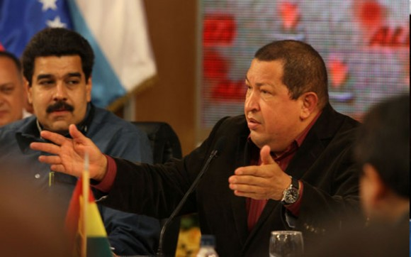 El Canciller venezolano Nicolás Maduro (derecha) y el Presidente Hugo Chávez en la Cumbre del ALBA. Foto: Prensa Presidencial