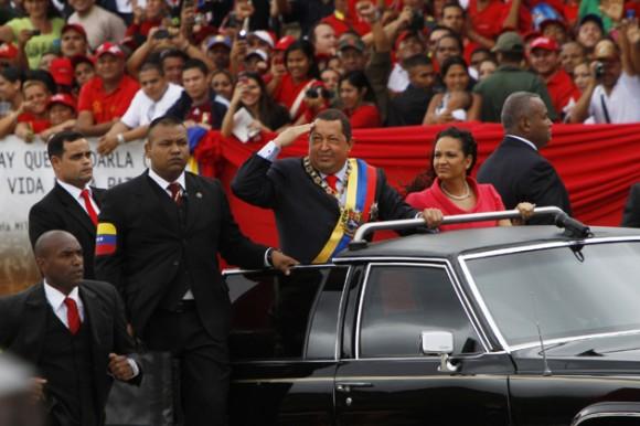 Chávez en el desfile por el 20 aniversario de la Rebelión del 4 de febrero. Foto: AVN