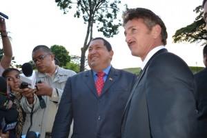 Hugo Chávez y Sean Penn. Fotos: Archivo de Cubadebate/Prensa Presidencial de Venezuela