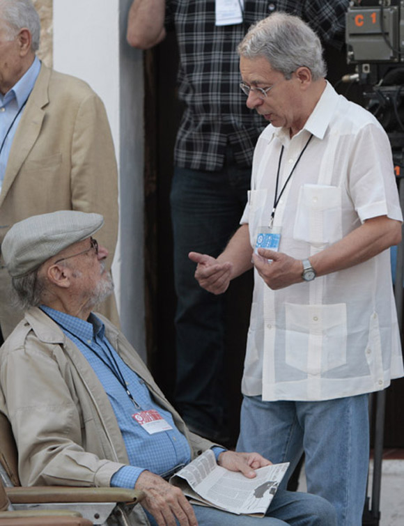 Frei Betto charla con Retamar. Foto: Ismael Francisco/Cubadebate