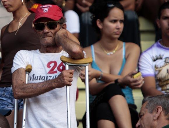 Aficionados matanceros en el estadio. Foto: Ismael Francisco