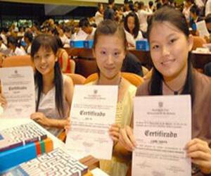 Cientos de estudiantes chinos estudian en Cuba Lengua Española