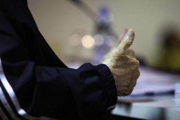 """Fidel presentó el libro de memorias """"Fidel Castro Ruz: Guerrillero del tiempo"""", dos volúmenes de las conversaciones sostenidas con la escritora y periodista Katiuska Blanco. Foto: Roberto Chile/ Cubadebate"""