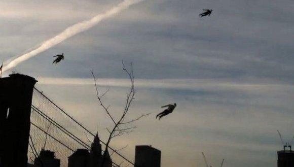 Hombres voladores en el cielo de Nueva York