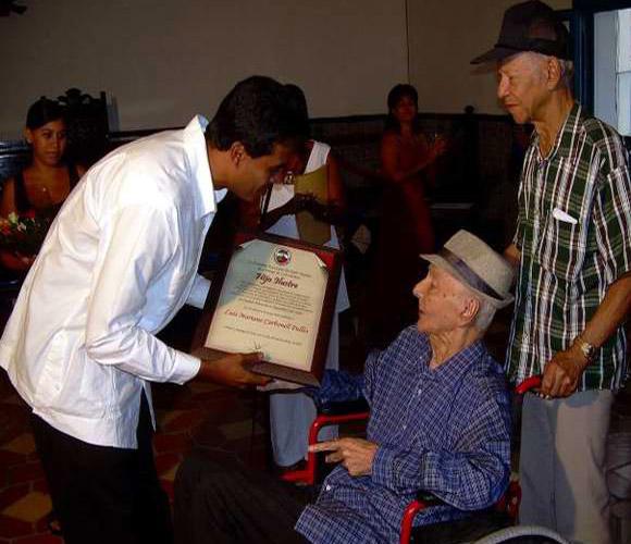 Luis Carbonell recibe condición de Hijo Ilustre de Santiago de Cuba