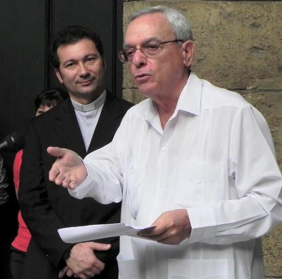 Intervención de Eusebio Leal Spengler, historiador de la ciudad de La Habana, en la inauguración de la exhibición del Porta Misal de Cristóbal Colón, en el Museo de La Ciudad, en La Habana Vieja, Cuba, el 4 de febrero de 2012. AIN FOTO/Tony HERNÁNDEZ MENA/