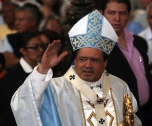 Al oficiar su homilía dominical y con motivo de la visita del embajador de Cuba en México, Manuel Aguilera de la Paz, en la Catedral Metropolitana, el cardenal Norberto Rivera Carrera celebró que en ese país se pueda ejercer la libertad religiosa.
