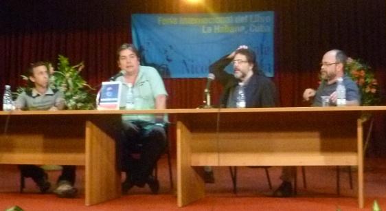Presentación del libro de Raúl Capote, de izquierda a Derecha: el escritor Rogelio Riverón, Raúl Capote, el Ministro de Cultura de Cuba y el Ministro de Cultura de Venezuela, Pedro Calzadilla.