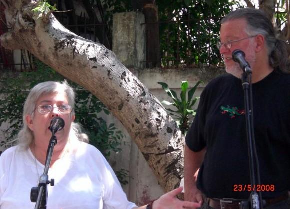 Sara González y Roy Brown