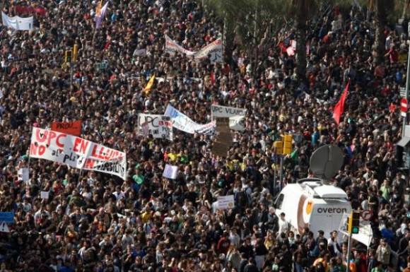 Los estudiantes en Valencia hoy. Foto vía Twitter @ciudadfutura