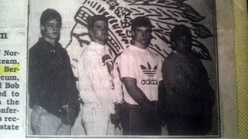 Robert Bales (extrema derecha), el sargento estadunidense acusado de matar a 16 civiles en la provincia afgana de Kandahar, en una imagen escolar correspondiente al ciclo 1990-91 y difundida ayer por el diario The Cincinnati Enquirer, en esa ciudad del estado de Ohio. Foto Ap