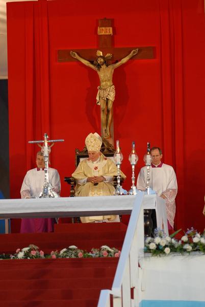 El Papa Benedicto XVI,  oficia la Santa Misa en la Plaza de la Revolución Antonio Maceo, en Santiago de Cuba, el 26 de marzo de 2012.   AIN  FOTO/Juan Pablo CARRERAS/sdl